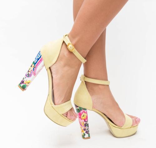 Sandale Valo Galbene 2 - Sandale depurtat - Sandale cu toc gros